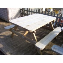 Picnic Dining Table (Suitable for Disabled Use)